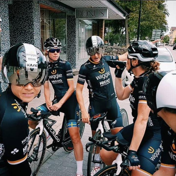 wiggle professional cycling team wearing custom champion system jerseys and bib shorts