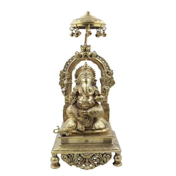 Chhatri Ganesha Sitting On Base  With Prabhavali