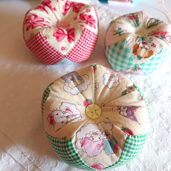 SEWING KIT --  Little Twinkle Pincushion (Hello Kitty -Yellow)