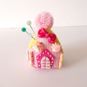 Little House Pincushion kit by Yubi (Yasuko Yubisui)(Pink)