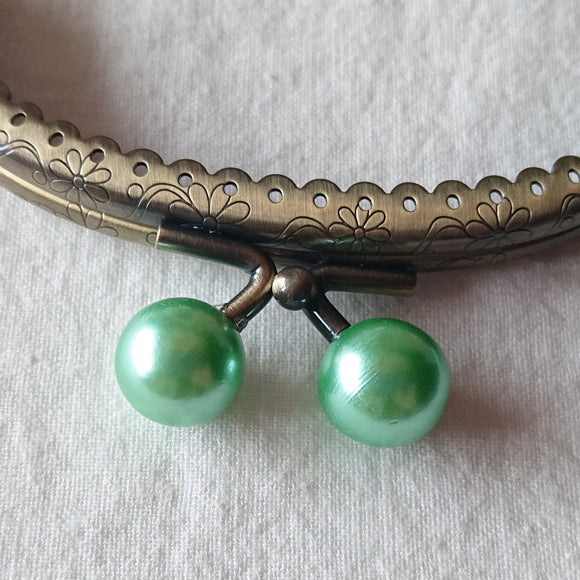 Metallic Purse Clasp Frame with Round Beads -- Pearl Green