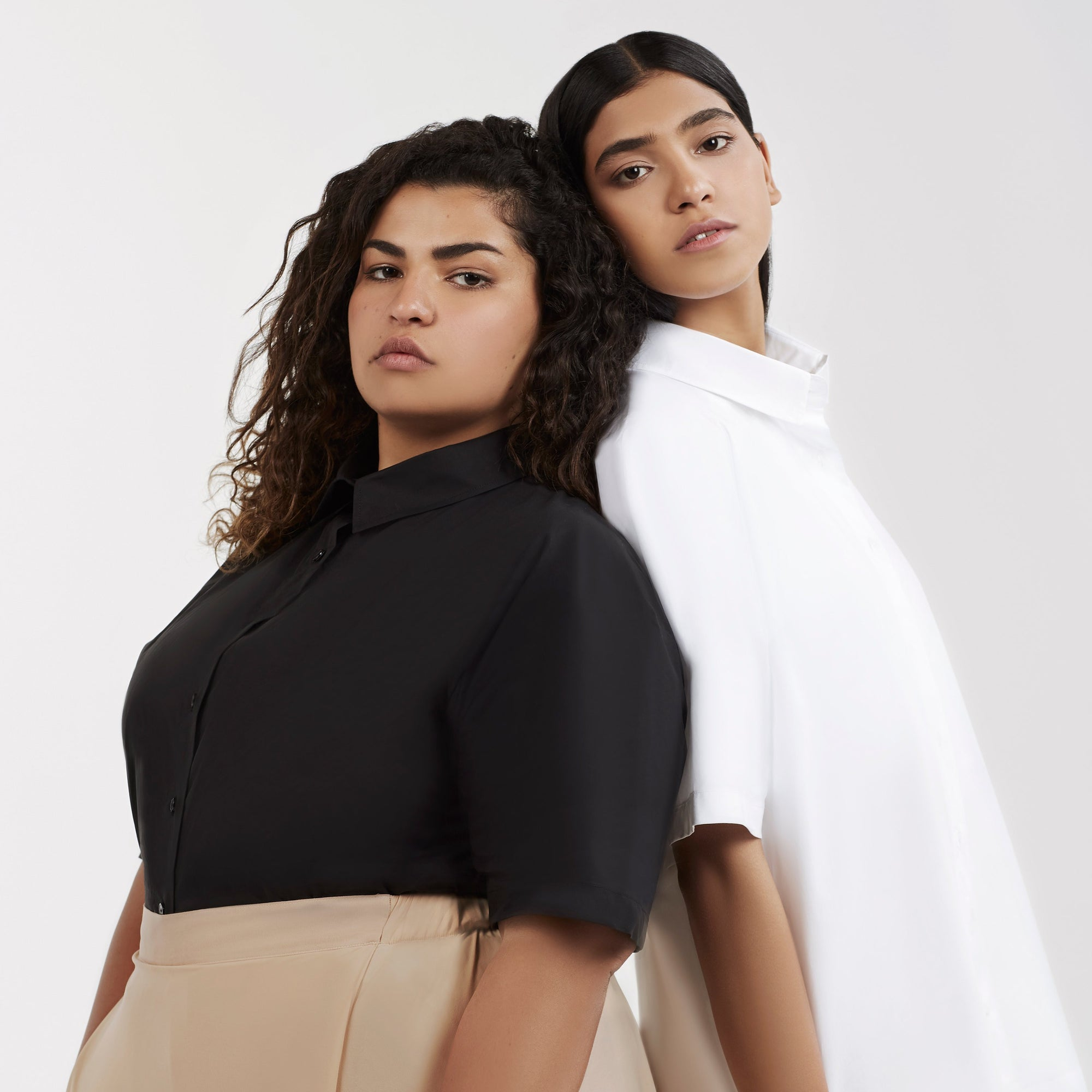 Seemas blouse in black or white