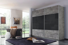 Quadra in Stone Grey and black glass middle