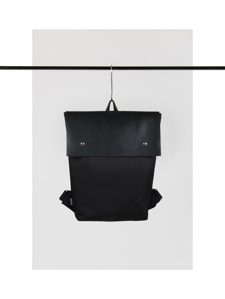 BACKPACK WITH LEATHER FLAP 3