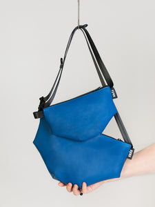 BODYBAG BLUE SKIN MIDI