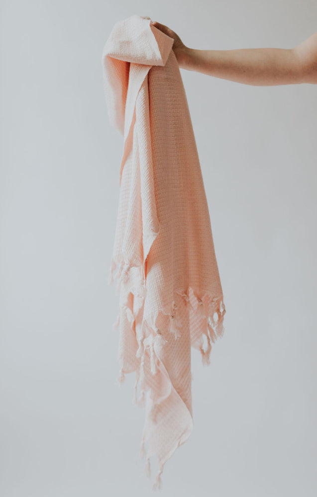Waffled Peshtemal in Blush Pink