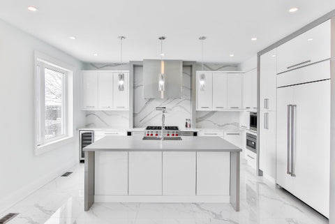 sparkling clean kitchen countertops and surfaces using MOXE multi-surface cleaning spray