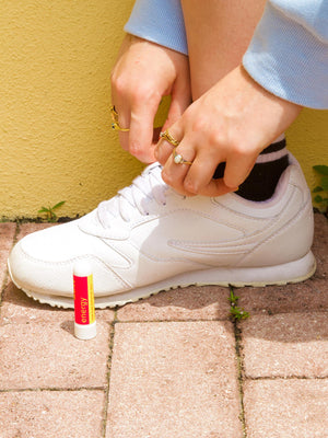 MOXĒ Energy Nasal Inhaler Next to Girl Ready to Go for Run