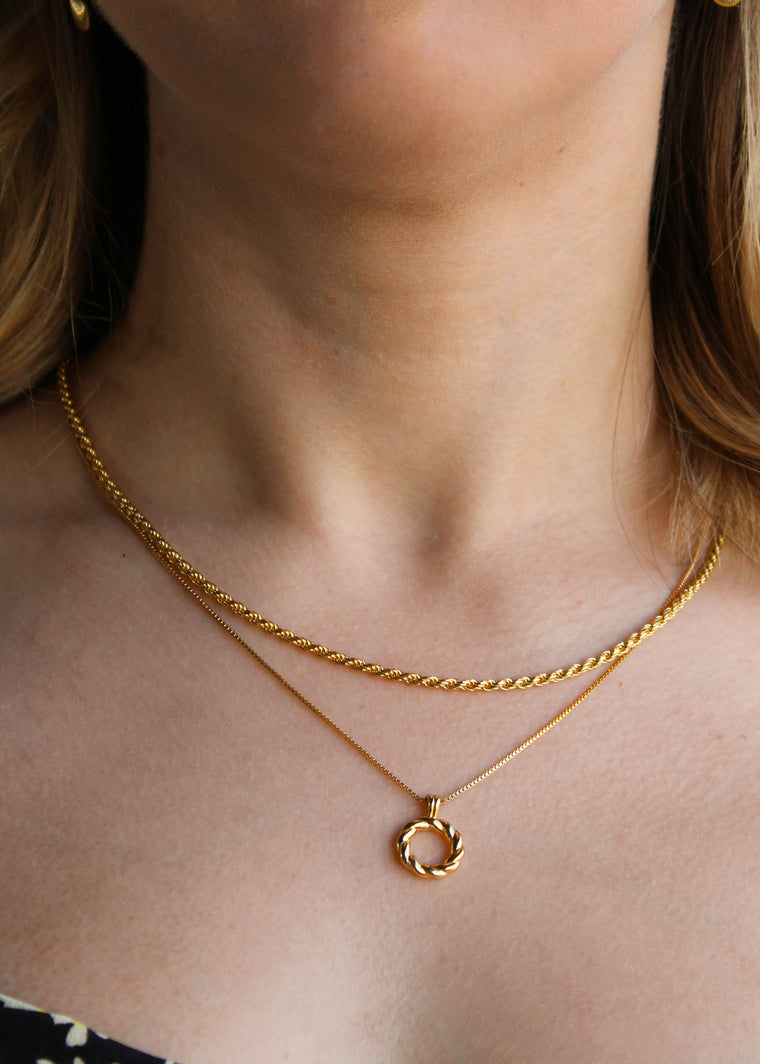 Astrid & Miyu -Rope Ring Pendant Necklace- Gold
