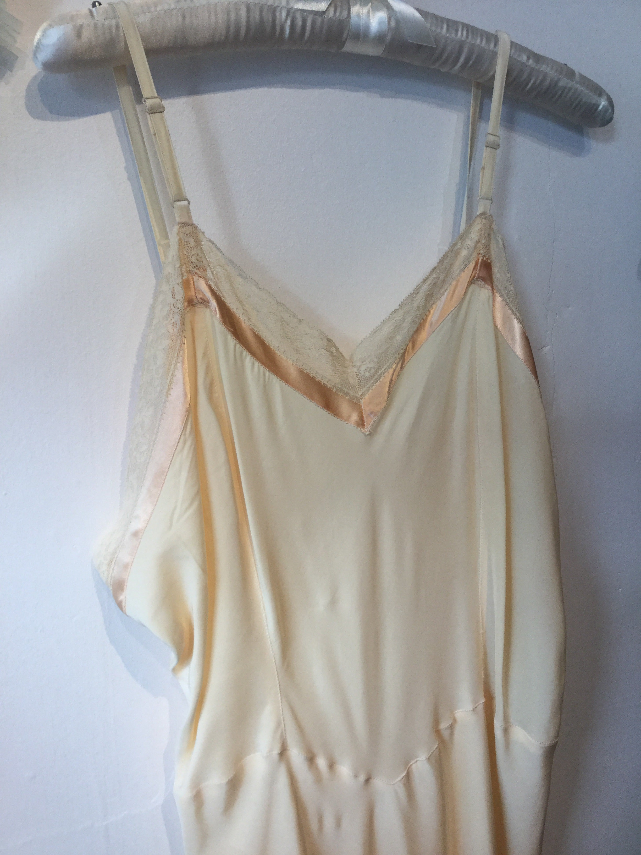 "Golden Apricot ""Hi-Craft"" Cold Rayon Slip Size 40 XL #147"
