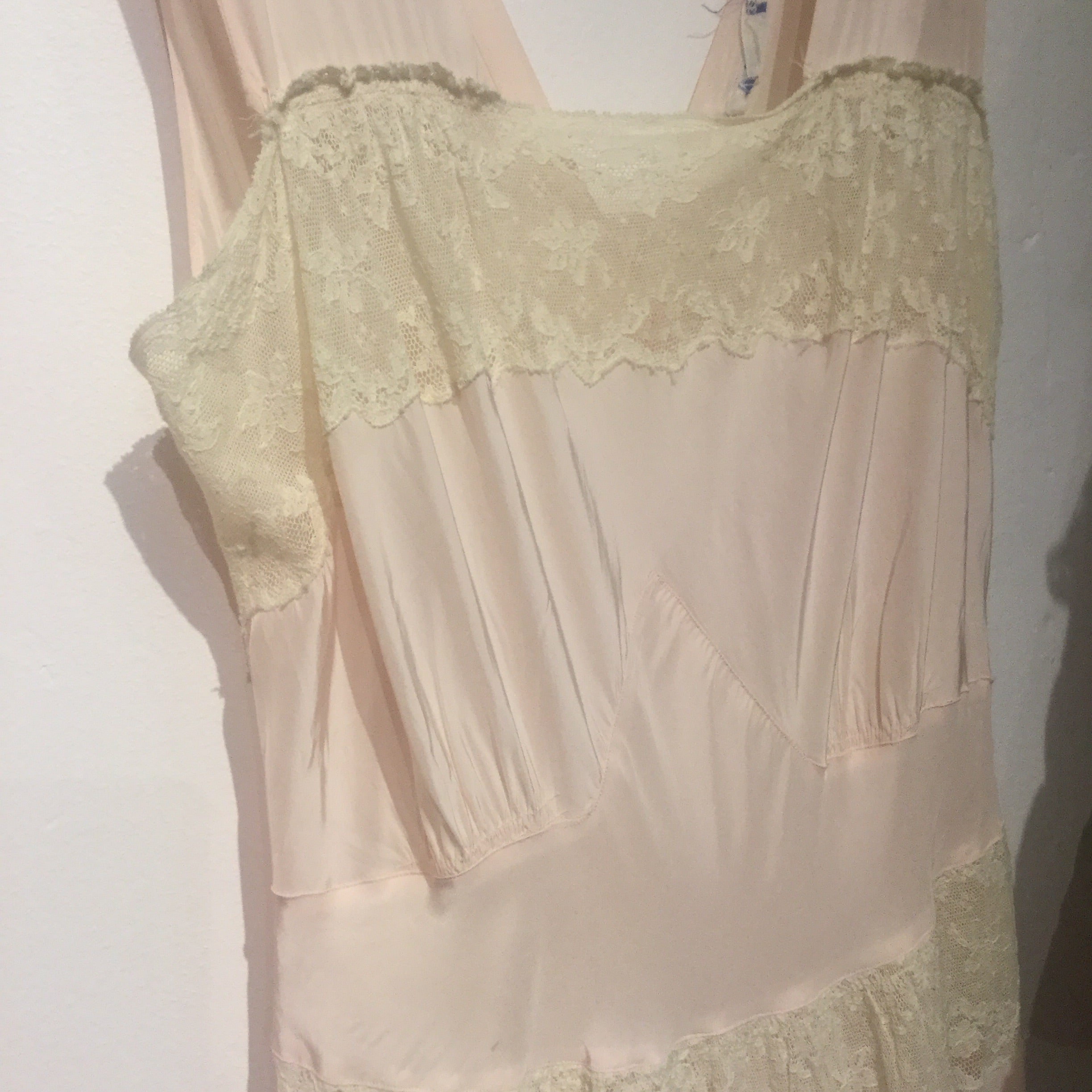 Powder Pink and cream lace nightgown 32/S/M #062