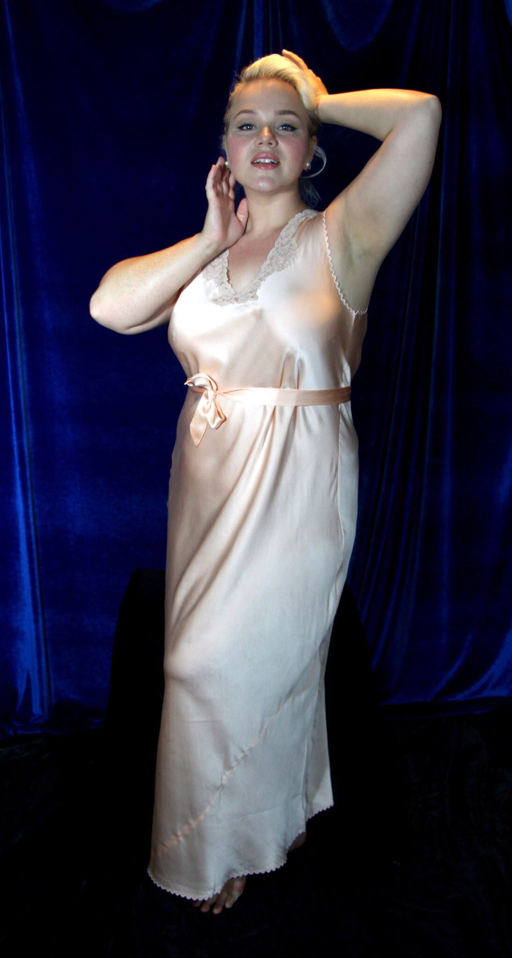 Scalloped silk satin and lace nightgown L-3X #034