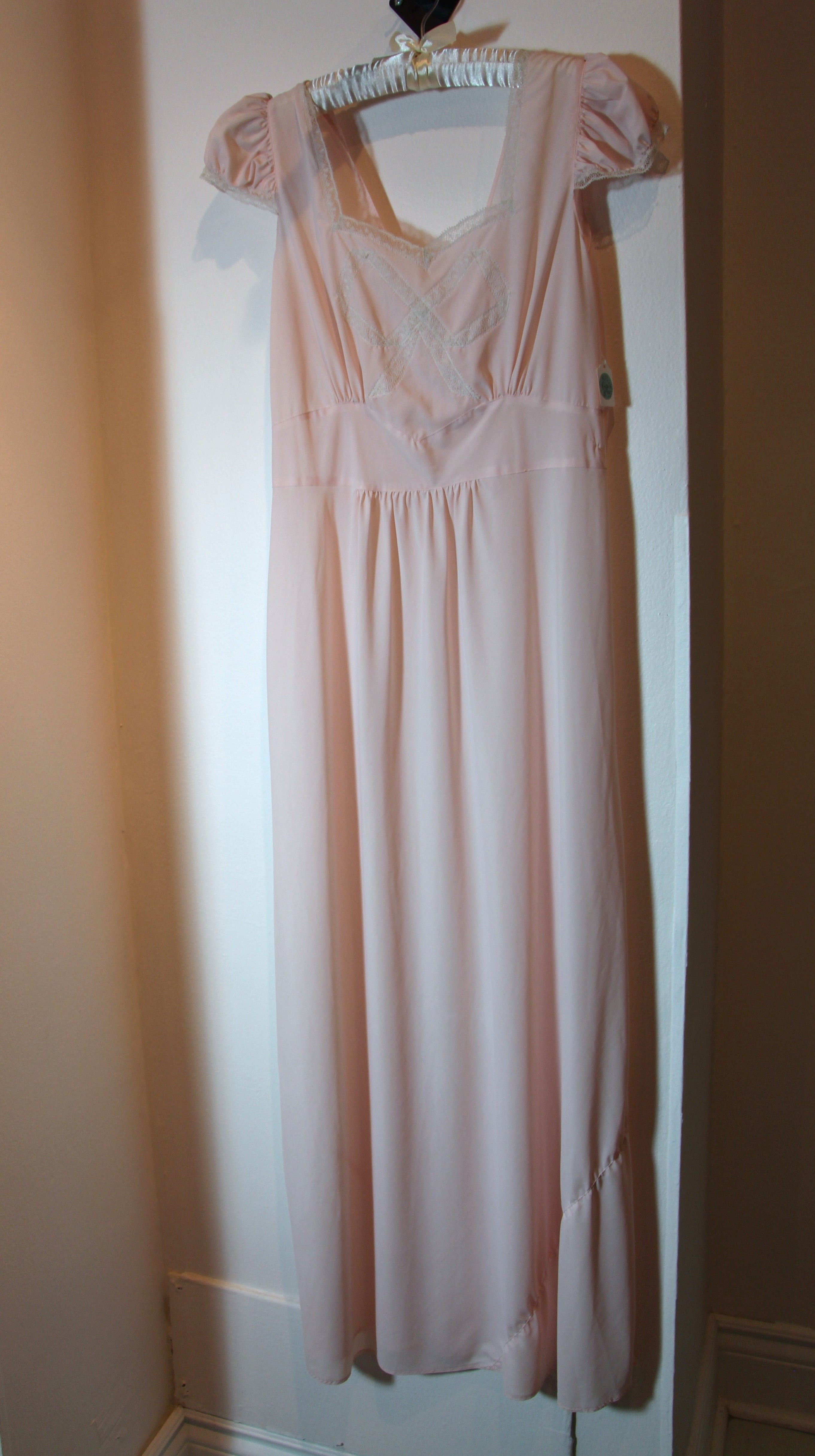 Big Bow Pale Pink Gown M/L #004
