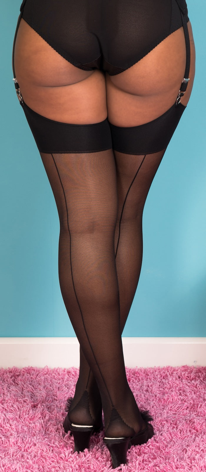 Glamour Stockings in Black with Black Seams