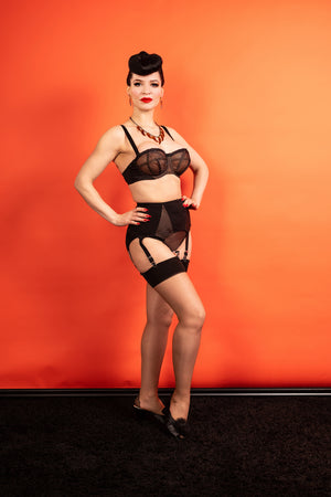 Thrill Garter Belt - 6 + 10 left!