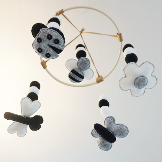 벅스 Bugs 흑백 펠트 모빌만들기 <br /> Bugs Black/White Felt Mobile DIY Kit