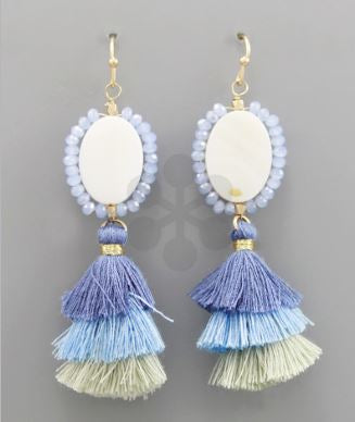BRIGHTEN YOUR LOOK EARRINGS IN BLUE