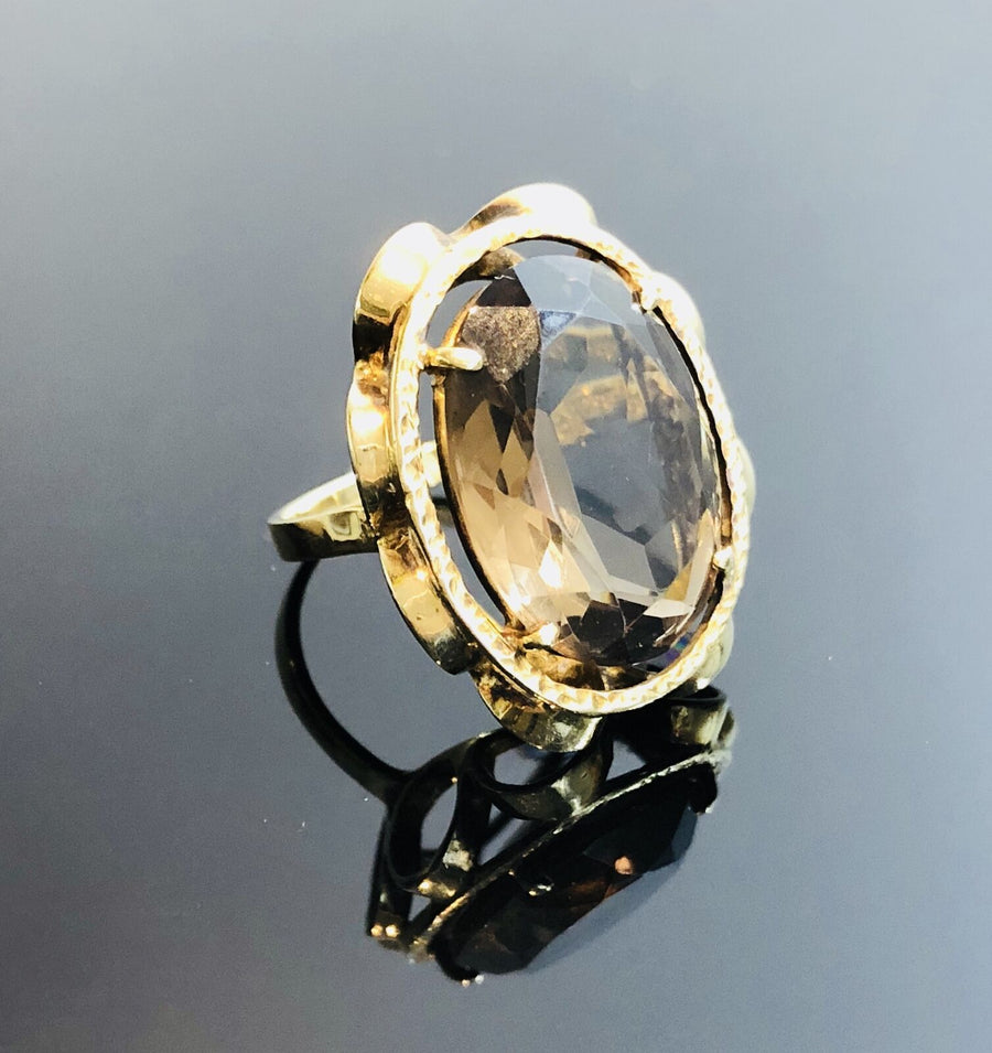 Ladies 14kt Gold Ring, With Oval Shaped Natural Smokey Quartz, Size 4.25