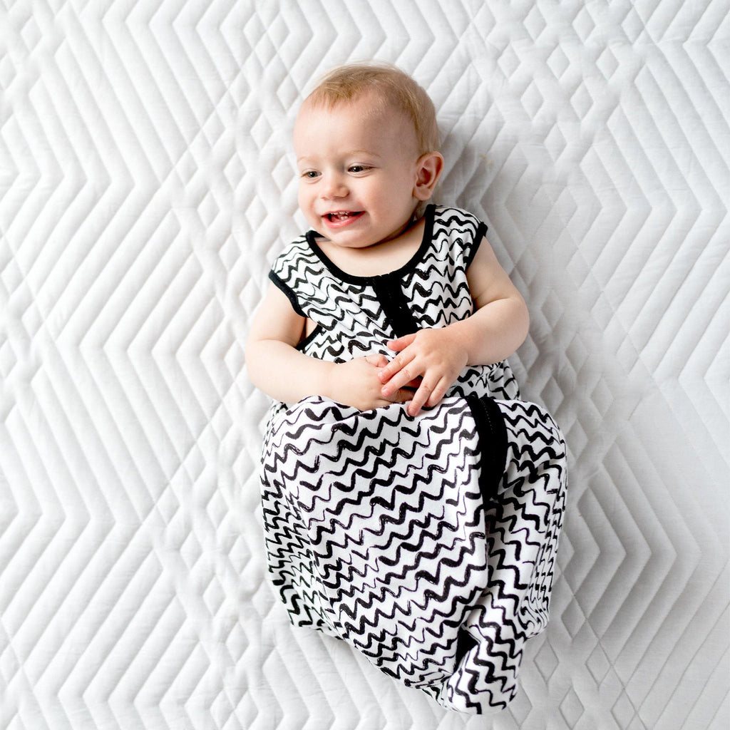 Black & White Zigzag Sleep Bag - Snugabye Canada