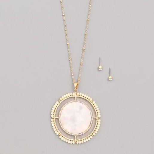 Maddie Medallion Necklace - Ivory
