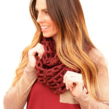 Load image into Gallery viewer, Chunky knit infinity scarf - 2 colors - all sales final