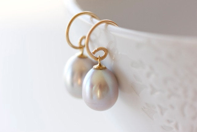 14k Gold and Grey Pearl Earrings