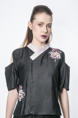 SAUNI Off-shoulder top