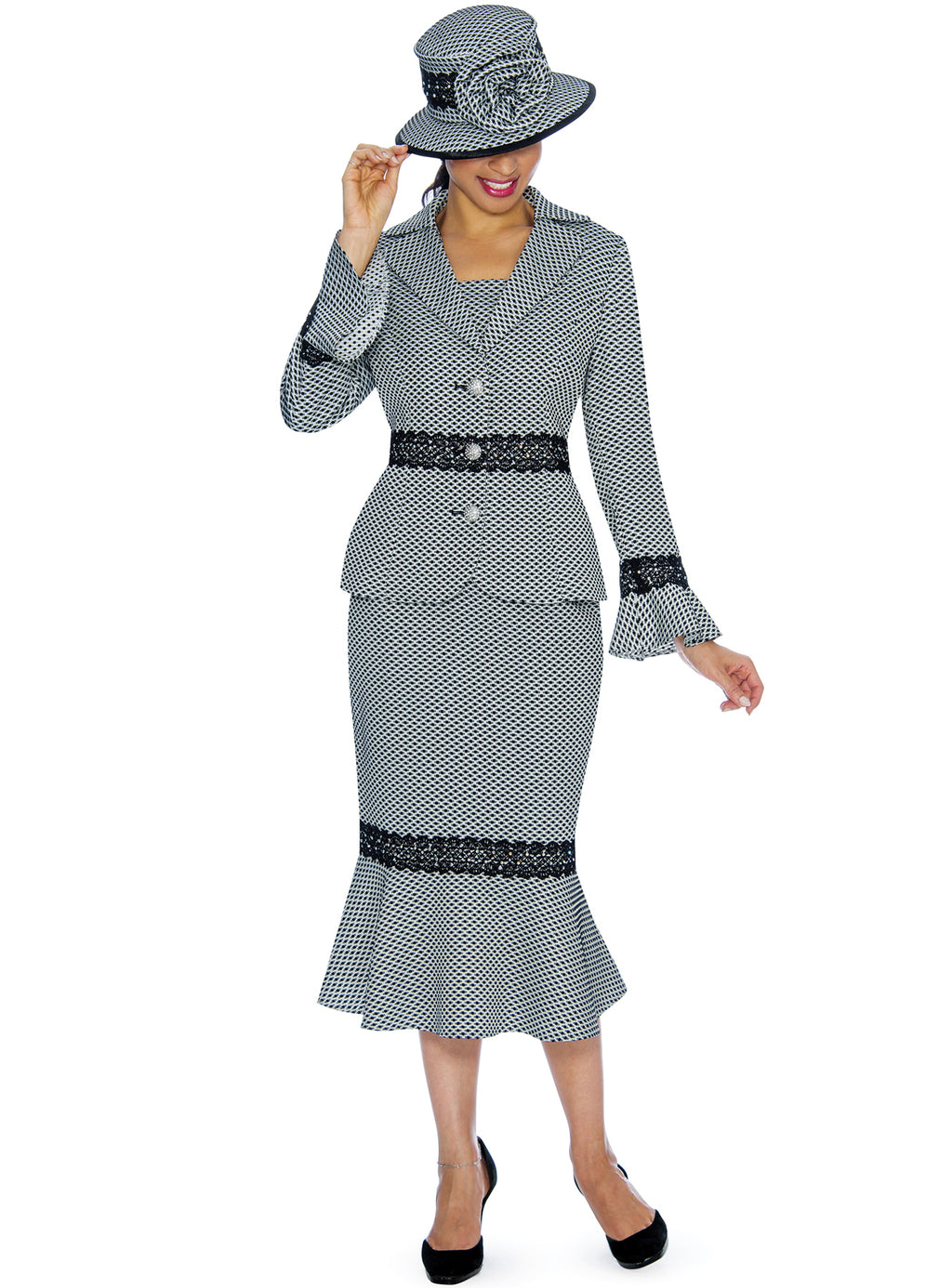 Dot Pattern Lace Appliqué Suit 0910