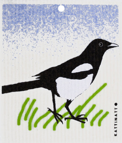 Magpie in Grass -  swedethings-cad