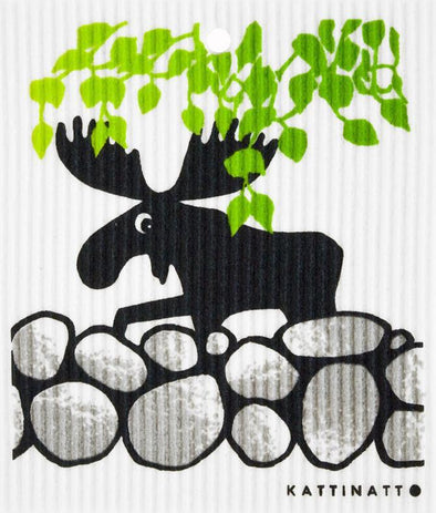 swedethings-cad Moose on rocks w leaves