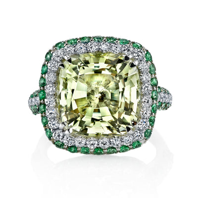 18K White Gold Fashion Diamond And Tsavorite Ring