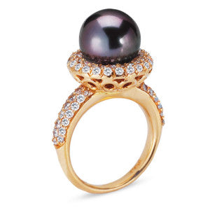 18K Rose Gold Ring With Diamonds And Center Black Pearl
