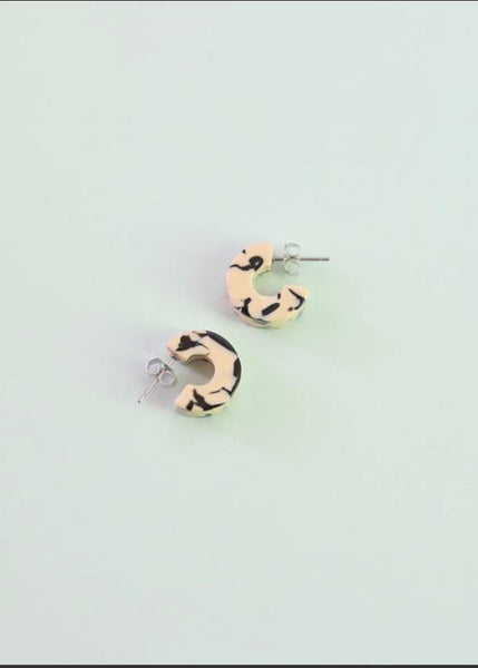 Ray Earrings in Marble (small)