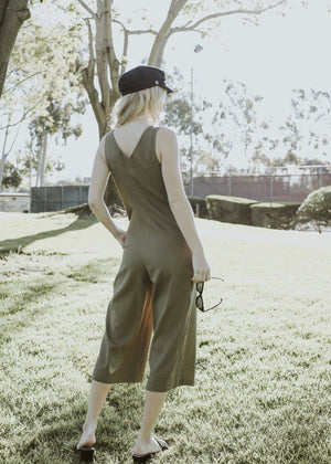 LA boutique olive green cropped jumpsuit with buttons 4