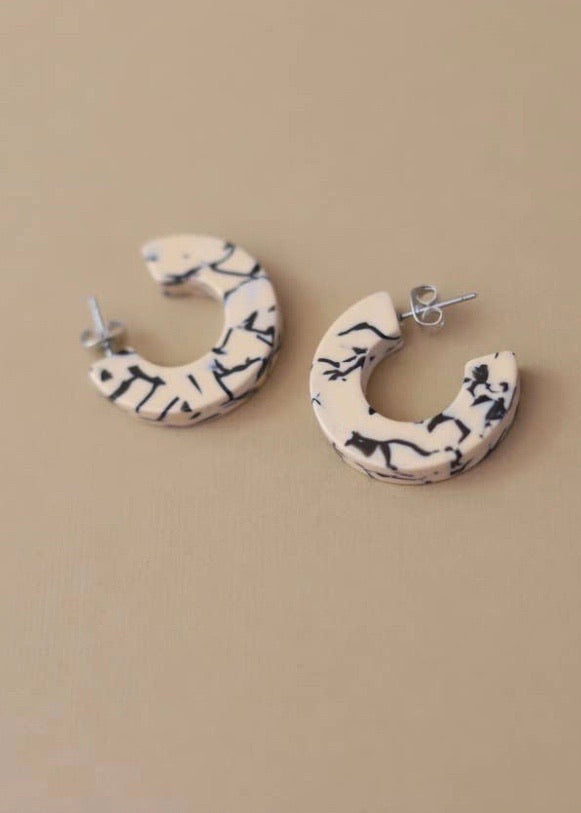 Ray Earrings in Marble (medium)