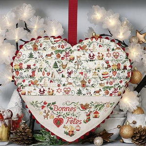 Large Christmas Heart By Les Brodeuses Parisiennes