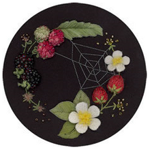Circle Of Berries By Windflower Embroidery