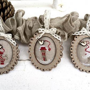 Christmas Mini Frames by The Bee Company