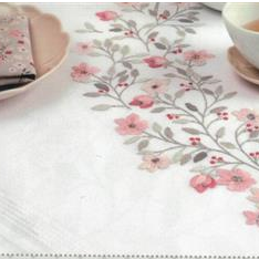 Rico Table Runner  67404 Cherry Blossom
