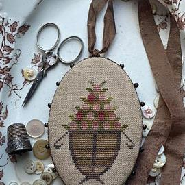 Berry Basket Pin Keep by Stacy Nash Primitives