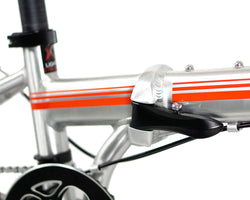 | variant=red, allow-fullscreen, locking frame joint on a silver and red zizzo liberte lightweight folding bicycle.
