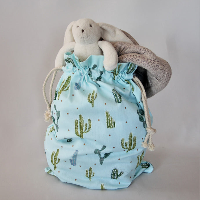 Library bag, book bag, toy bag or daycare bag. Perfect for taking your little person's favourite toys, books or supplies for an outing or an overnight stay. Machine washable for your convenience.