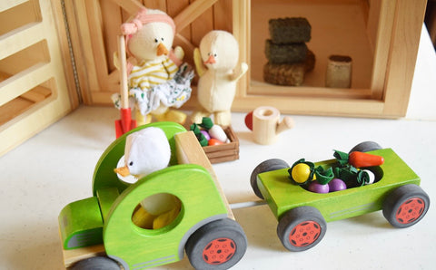 Farm-animals-dollhouse-play