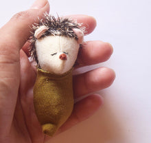 Teeny hedge hog