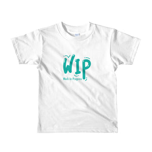 "Short sleeve kids t-shirt ""Work in Progress"" (Green) (2-6 yrs) - ART GOODS SHOP"