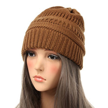 Drop Shipping 2018 Seal Beanies Winter Hats for Women Knitted Hat With Tag Warm Baggy Stretch Knit Chunky Cable Beanie Ski Cap