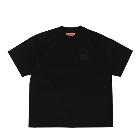 TRIPLE BLACK EMBROIDERED ESSENTIAL TEE