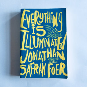 Paperback book: Everything Is Illuminated by Jonathan Safran Foer
