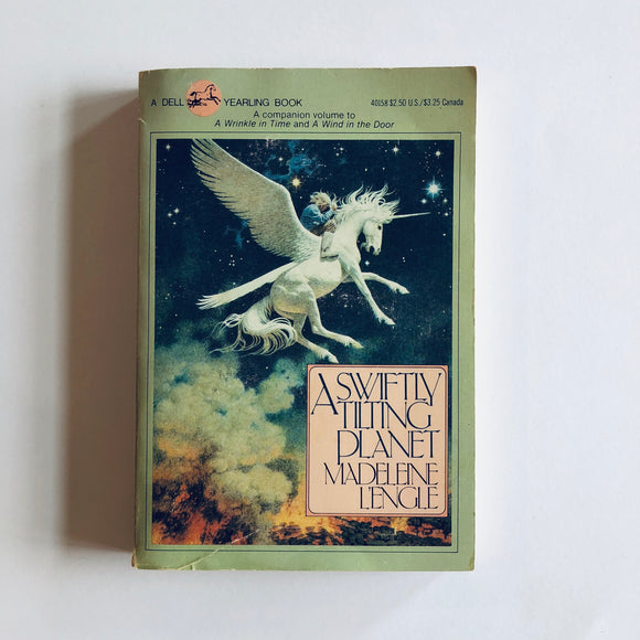 Paperback book: A Swiftly Tilting Planet by Madeleine L'Engle