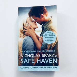 Paperback book: Safe Haven by Nicholas Sparks